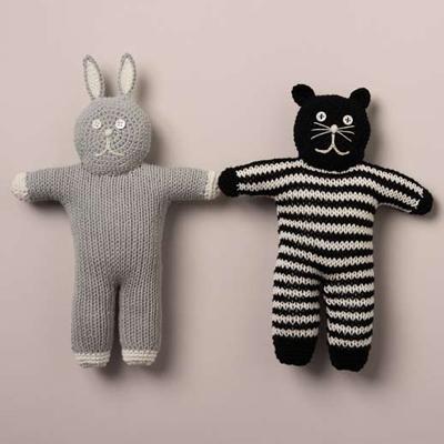 うさぎと猫の編みぐるみ